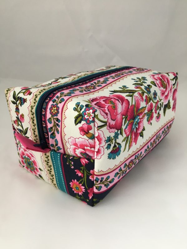Victorian Roses Zippered Bag